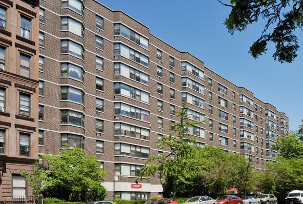 Red Oak Apartments